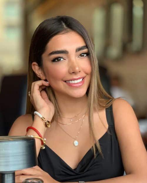 تینا اسدی بلاگر معروف که در فیلم در حاشیه مهران مدیری خوش درخشید