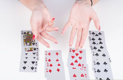بازی هفت کارت _ آموزش نحوه بازی هفت «بازی با ورق به همراه تصویر»